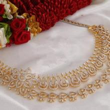 gold-diamond-necklace-design-from-jos-alukkas
